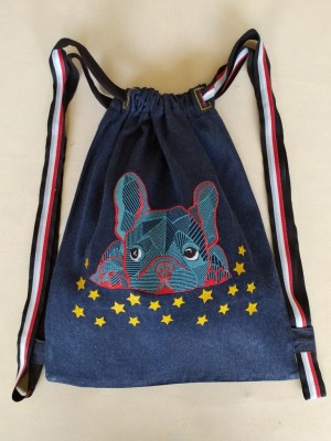 Mochila vaquera bordada perro pug azul personalizable