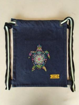Mochila vaquera bordada tortuga de mar mandala personalizable