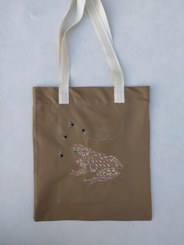 Bolsa de tela bordada rana