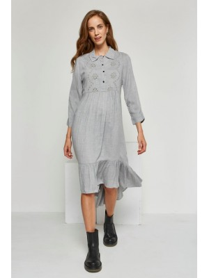Vestido largo gris volante bordado
